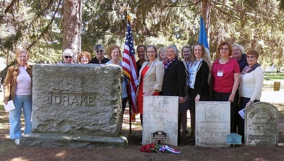 Ezra Parker Chapter dedicated the grave and placed a DAR marker on Abigail Stoddard Drake's grave.